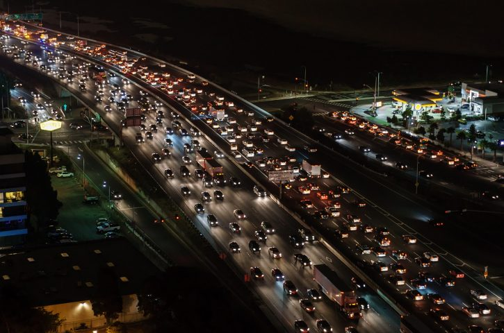 5 Do's & Don'ts While Being Stuck In Traffic
